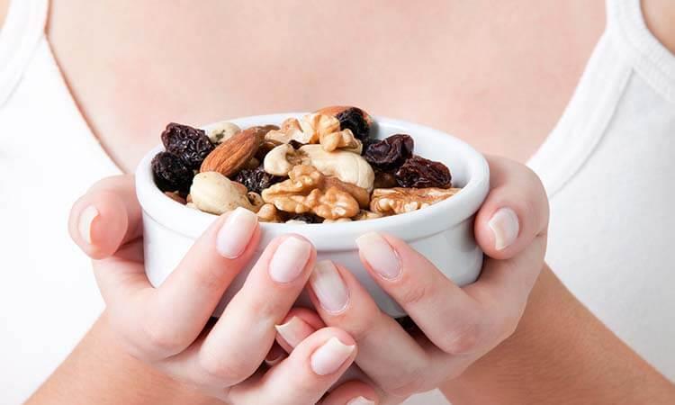 Durante el embarazo comer frutos secos mejora el neurodesarrollo de los bebés